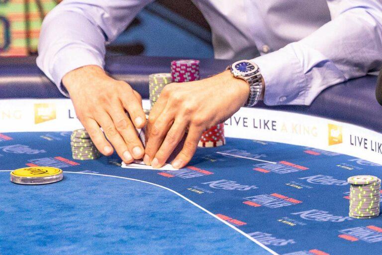 Preflop play in PLO poker.